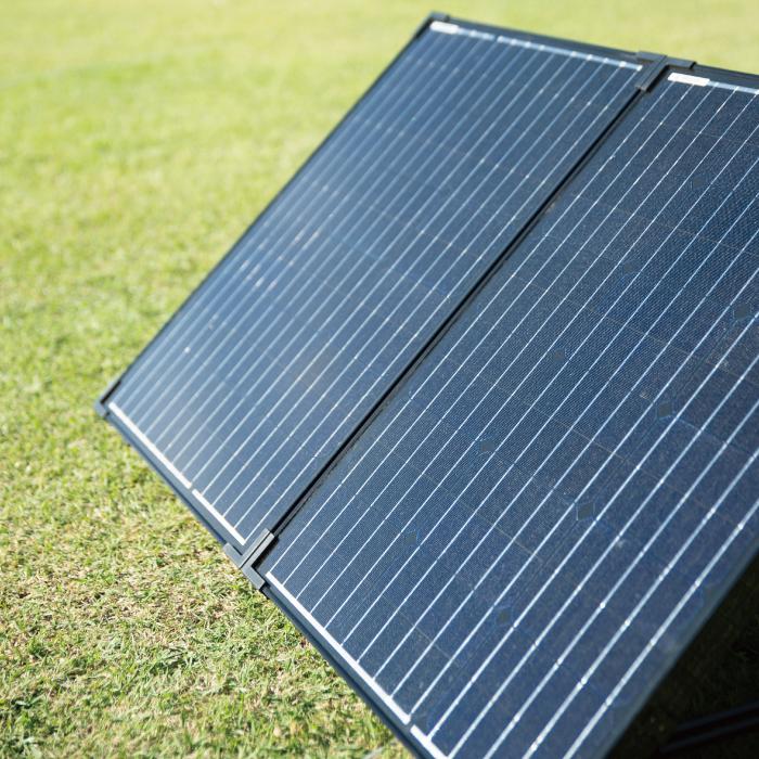 折りたたみ式ソーラーパネル100W